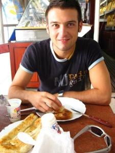 Edvin Pacara, kushedi duke ngrene ndonje gje vegjetariane...